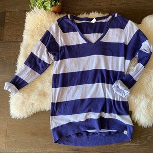 2/$30 Aritzia TNA purple striped V neck knit tee